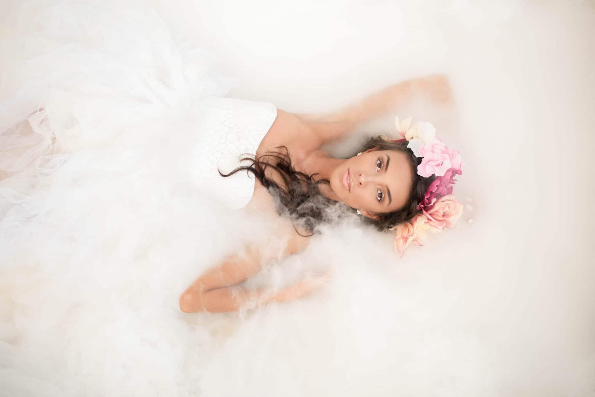 Boudoir und Portrait Fotografie Trockeneis nebel in romantischer Stimmung Trockeneis Fotoshooting
